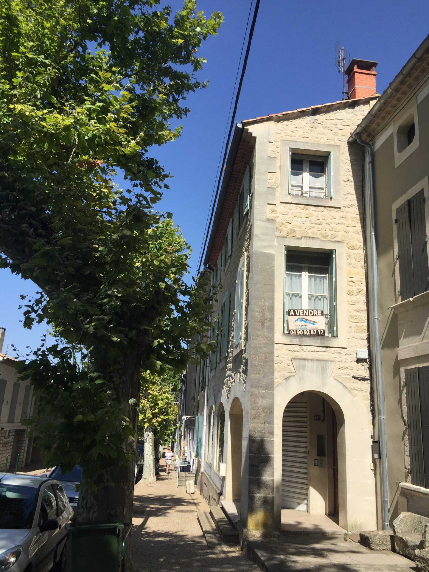 BARBENTANE STONE HOUSE OF VILLAGE 4 ROOMS STAY CHIMNEY TERRACE AND COMMERCE COURT