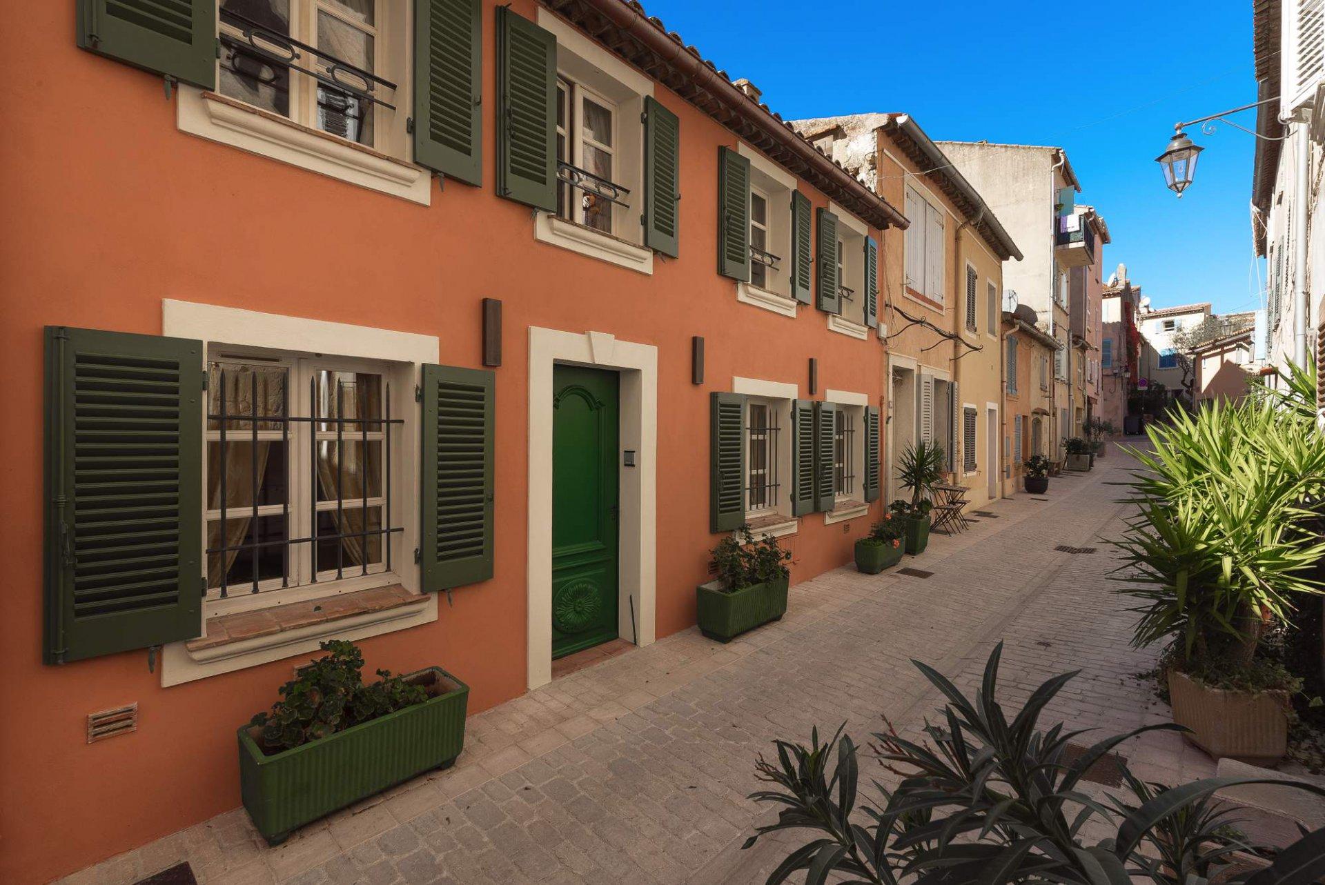 Sea side town house Saint-Tropez Var Provence
