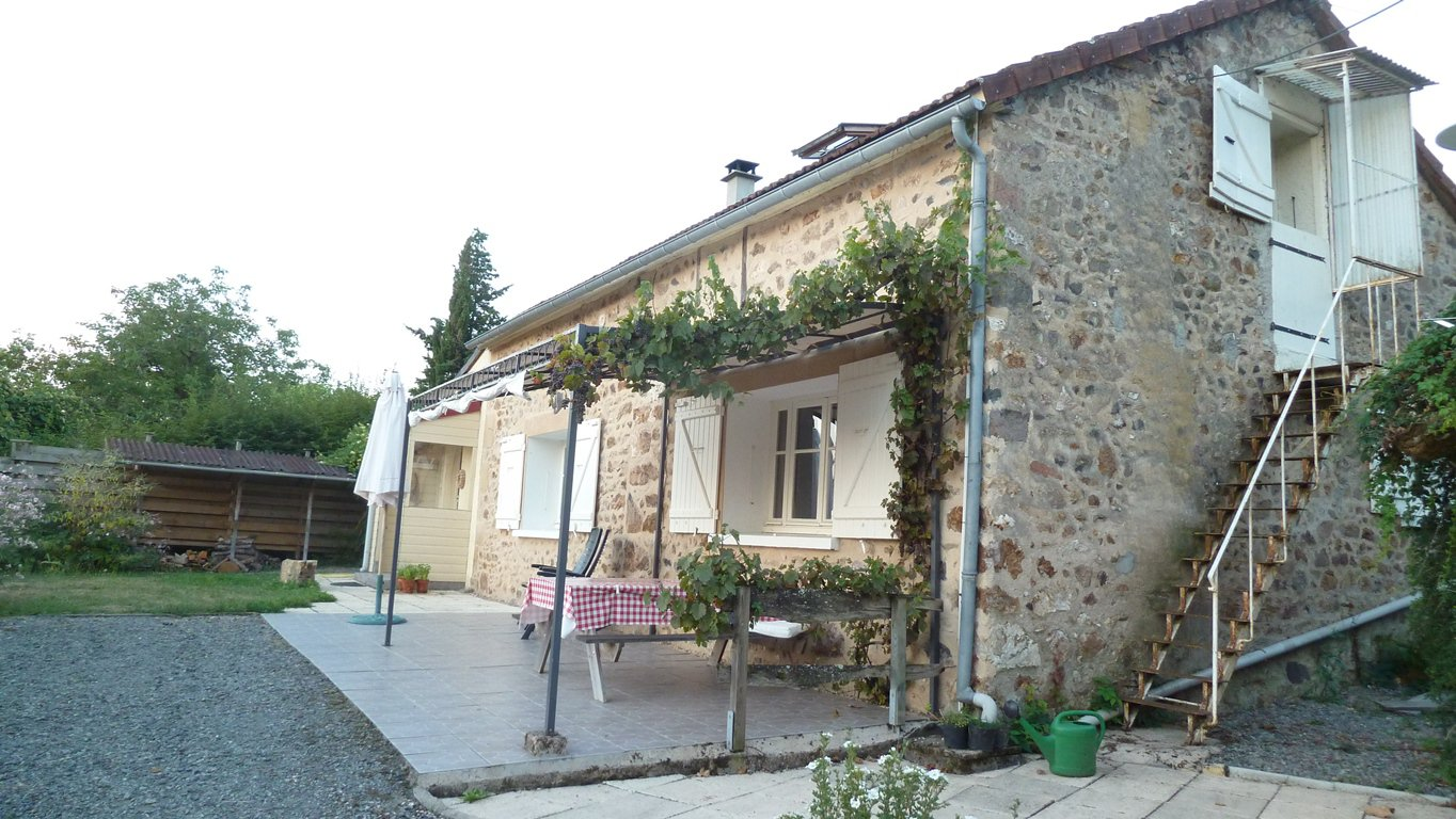 Maison de caractère, au calme, 2.300 m2 terrain, Sud-Morvan