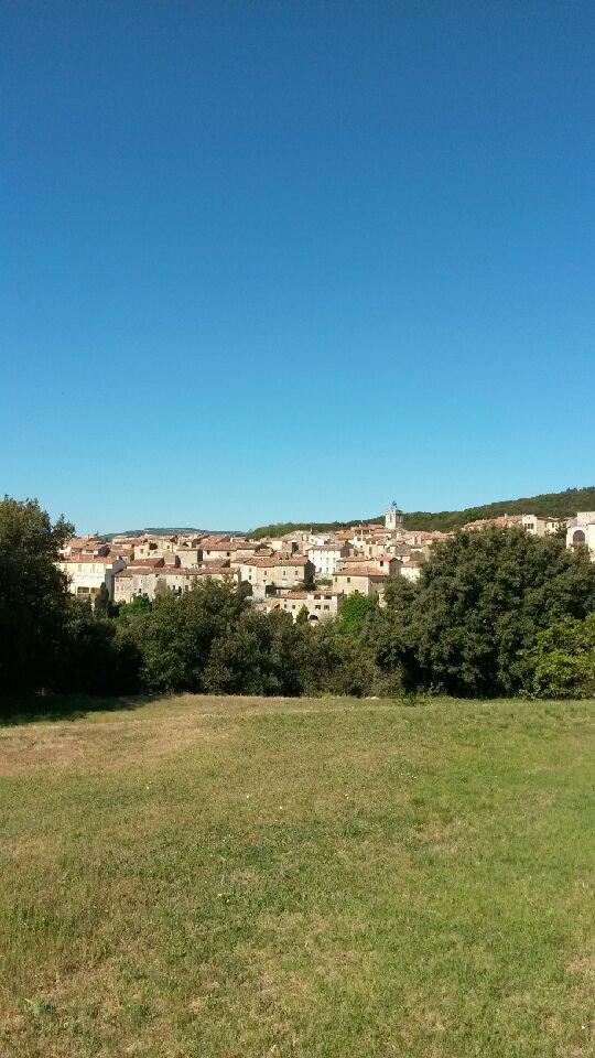 Pays de Fayence terrain 60 m² dans le village