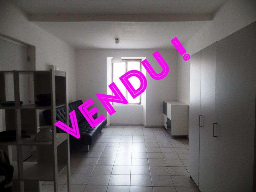 Sale Studio - Brignoles