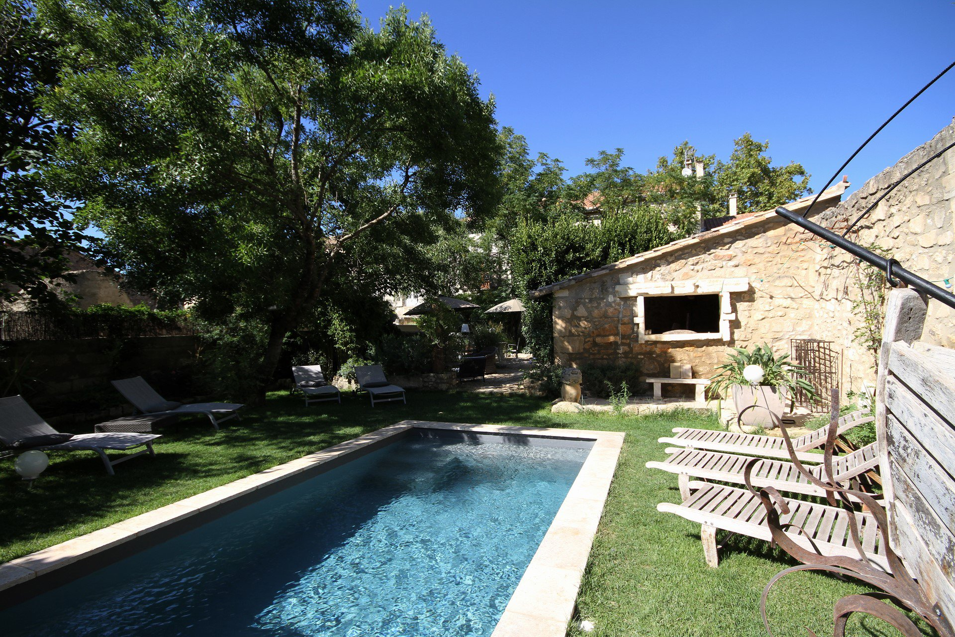 Beautiful stone house in the centre of Maussane-les-Alpilles