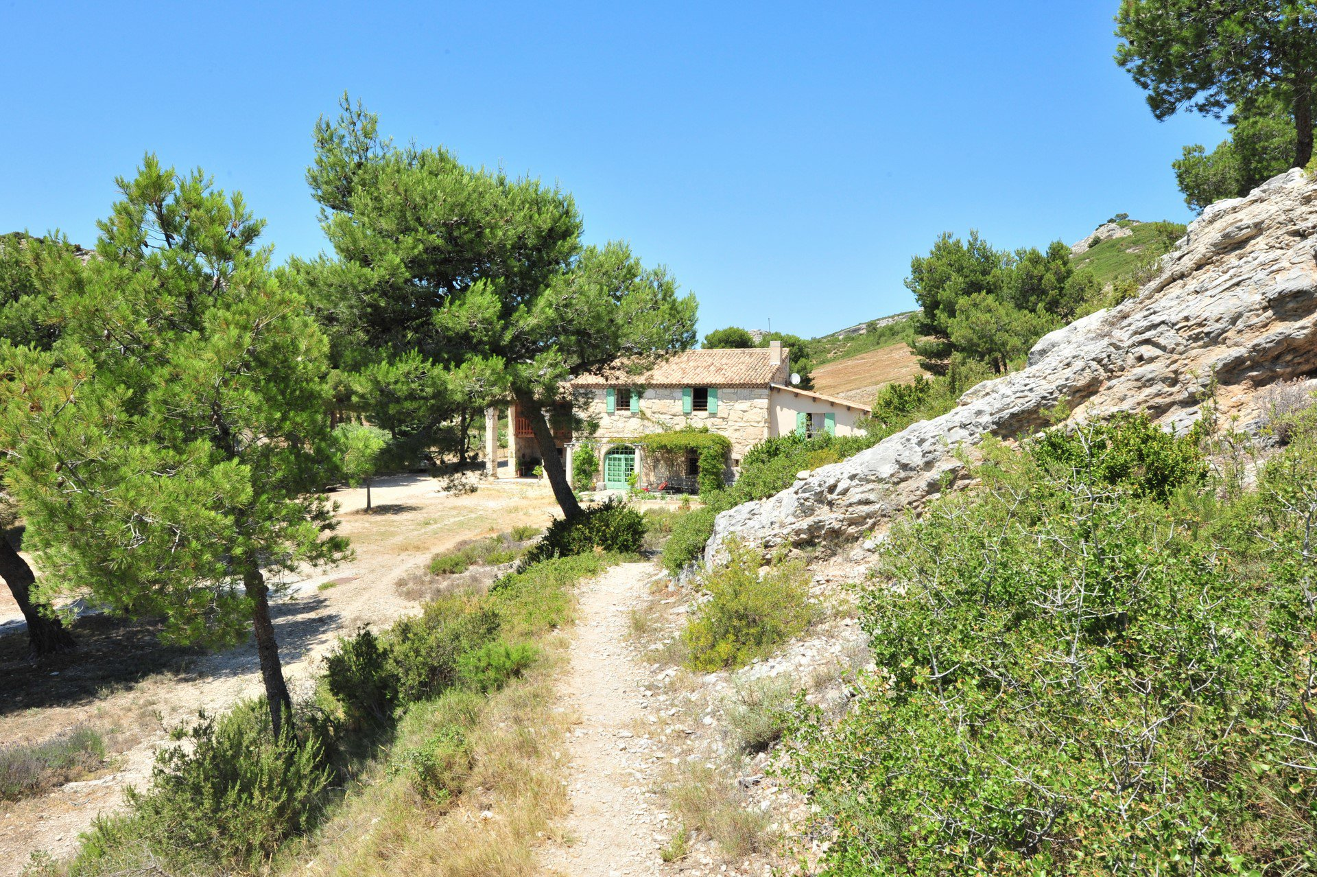 Character house in the heart of the Alpilles National Park