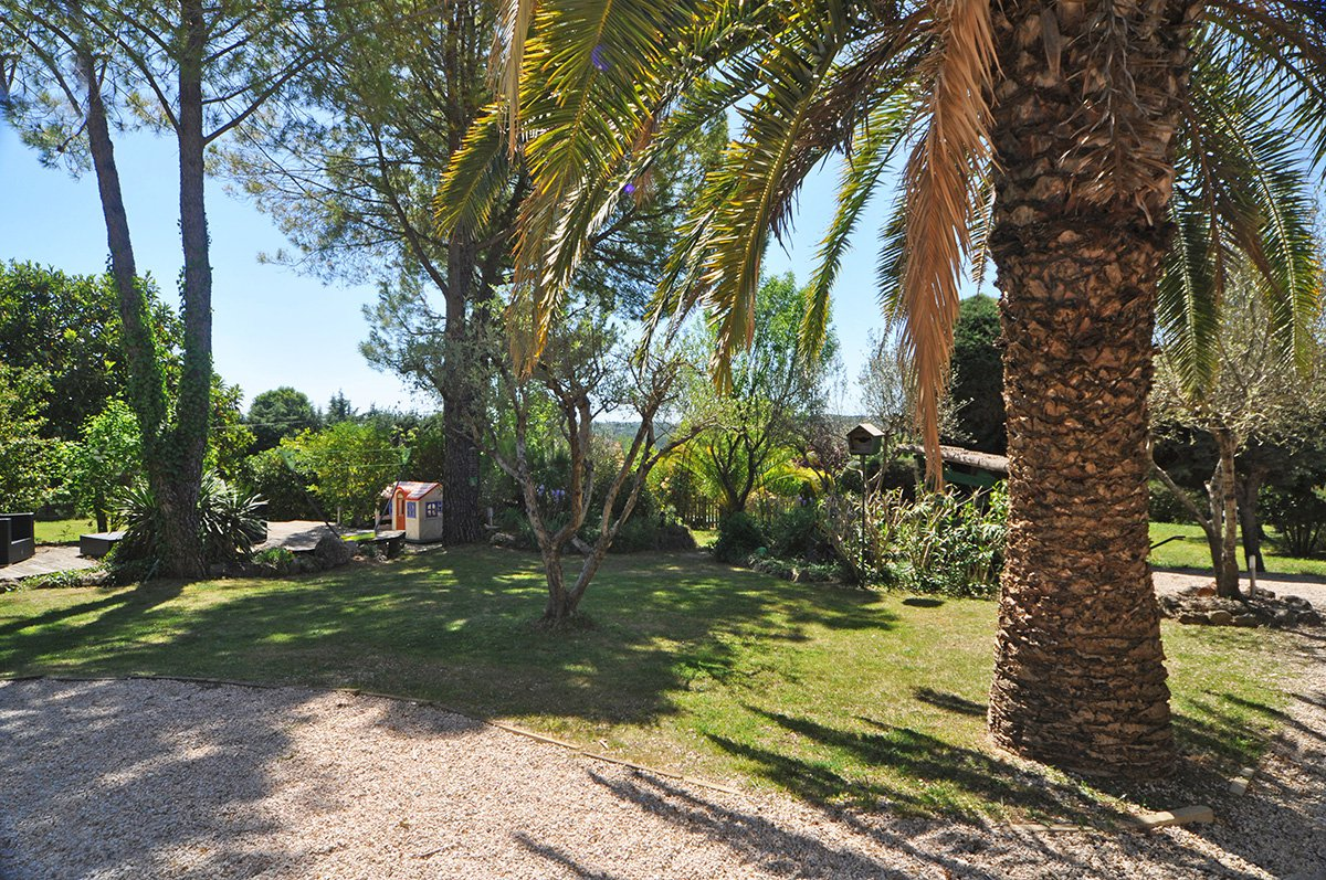 4 Bed villa in Tourrettes the Var with a B&B room