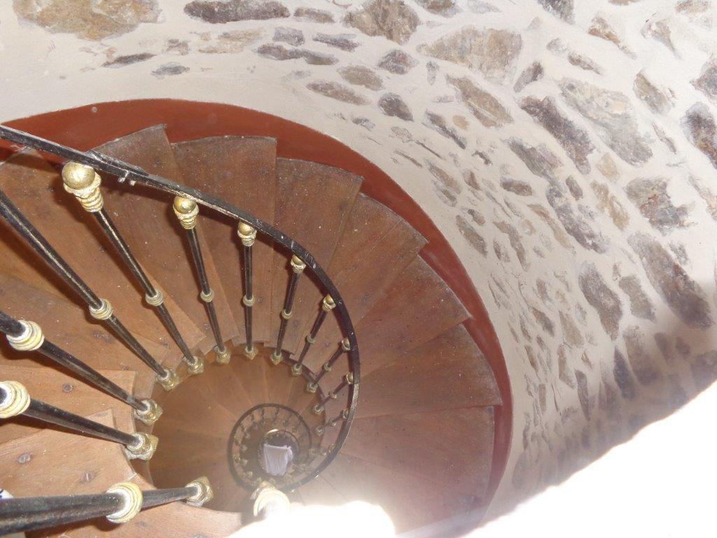 Drôme propriété château, église, rivière