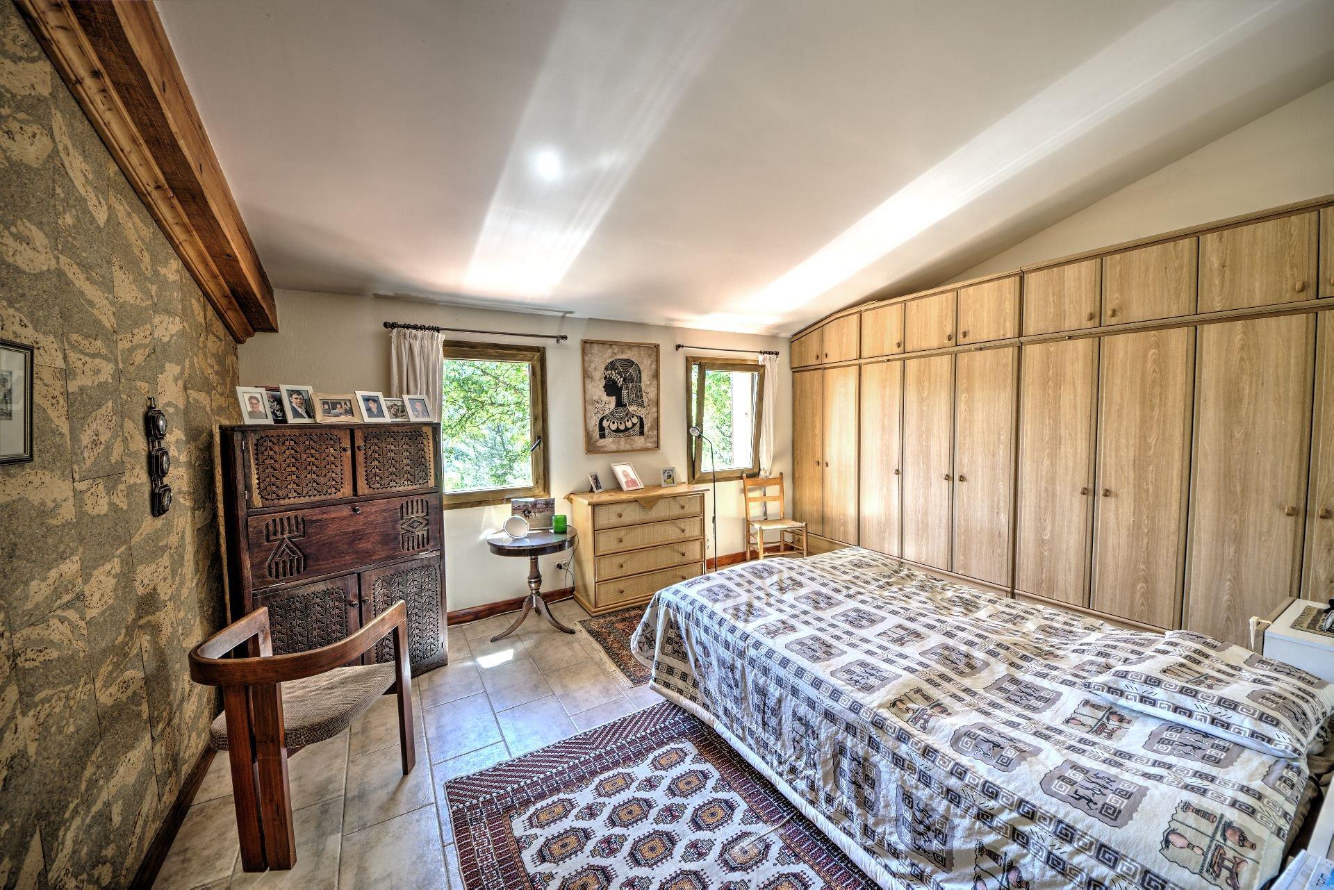 jolie maison de 120m² avec garage et cave dans un environnement calme Salernes Provcence Var
