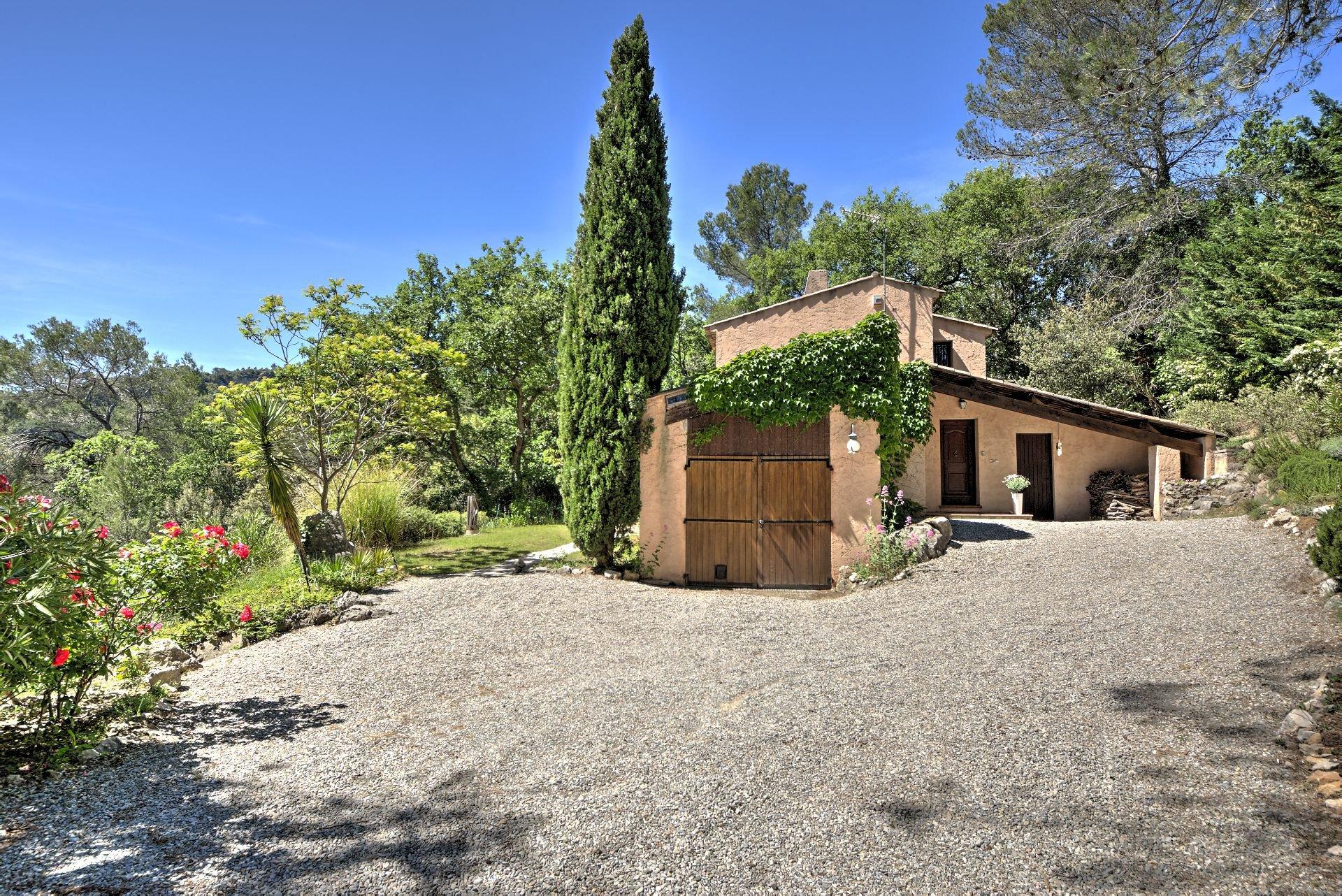 Salernes, belle maison 3 chambres avec terrain 5800m²