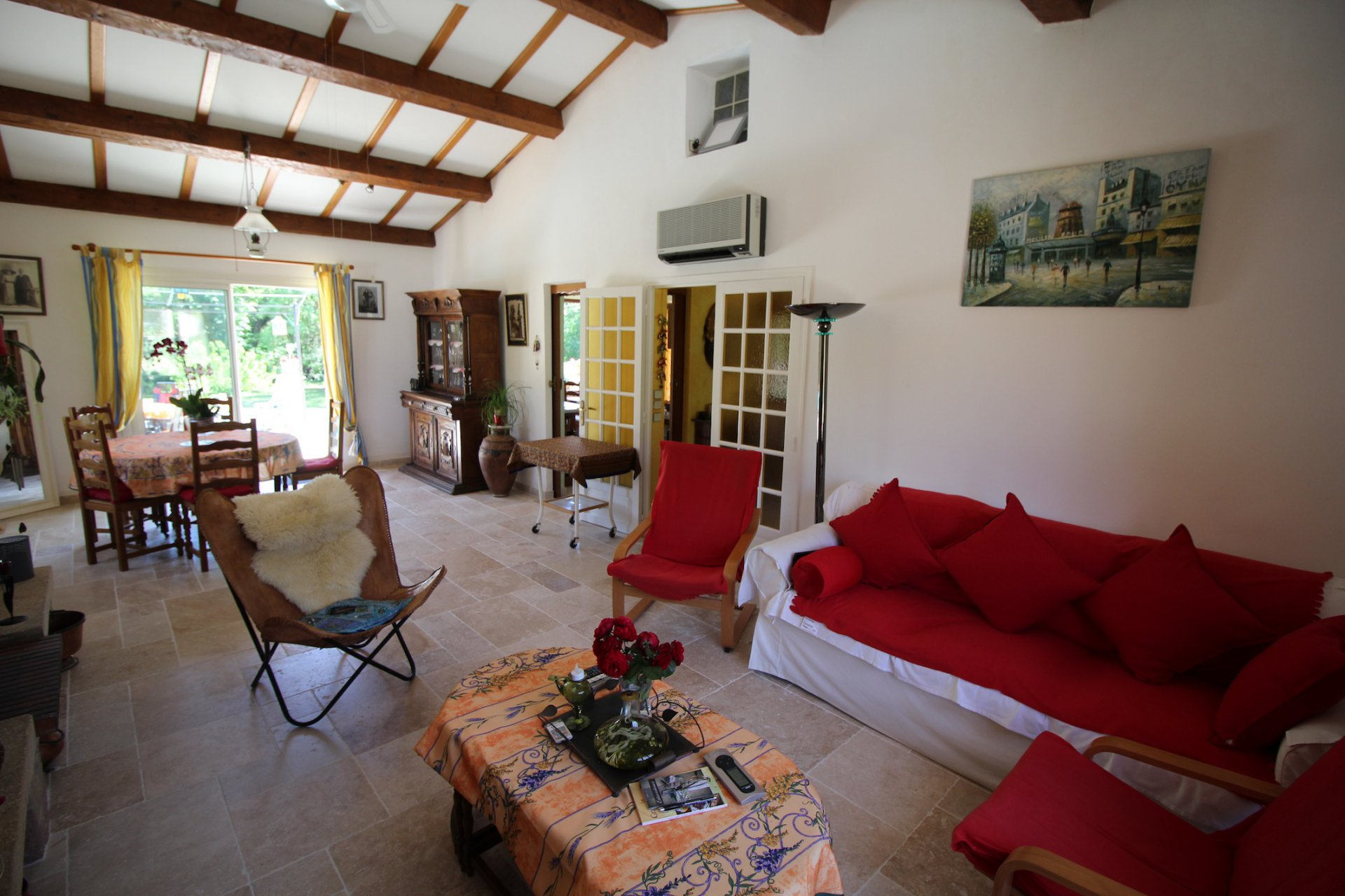 Entrecasteaux, a comfortable house in the countryside