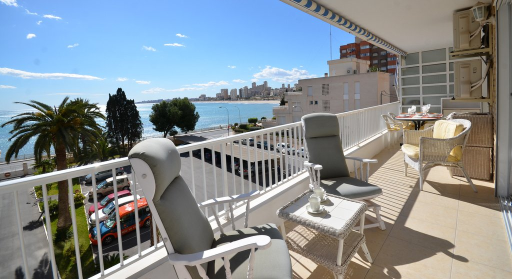 1st line total sea view apartment, 3 bedr, 2 bahtr with front terrace