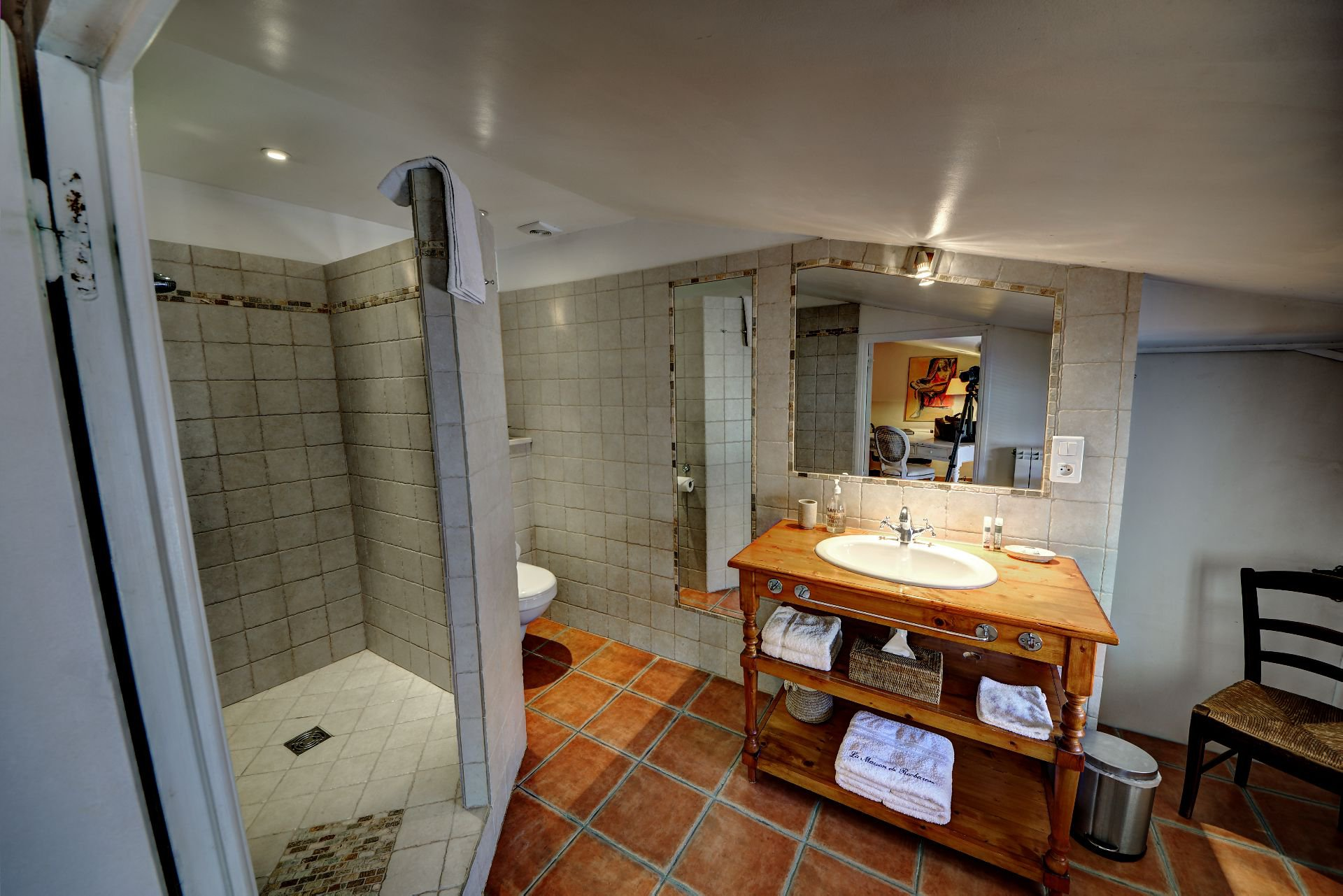 Bathroom Suite 5 of the guest house with garden and pool Rocbaron, Var, Provence