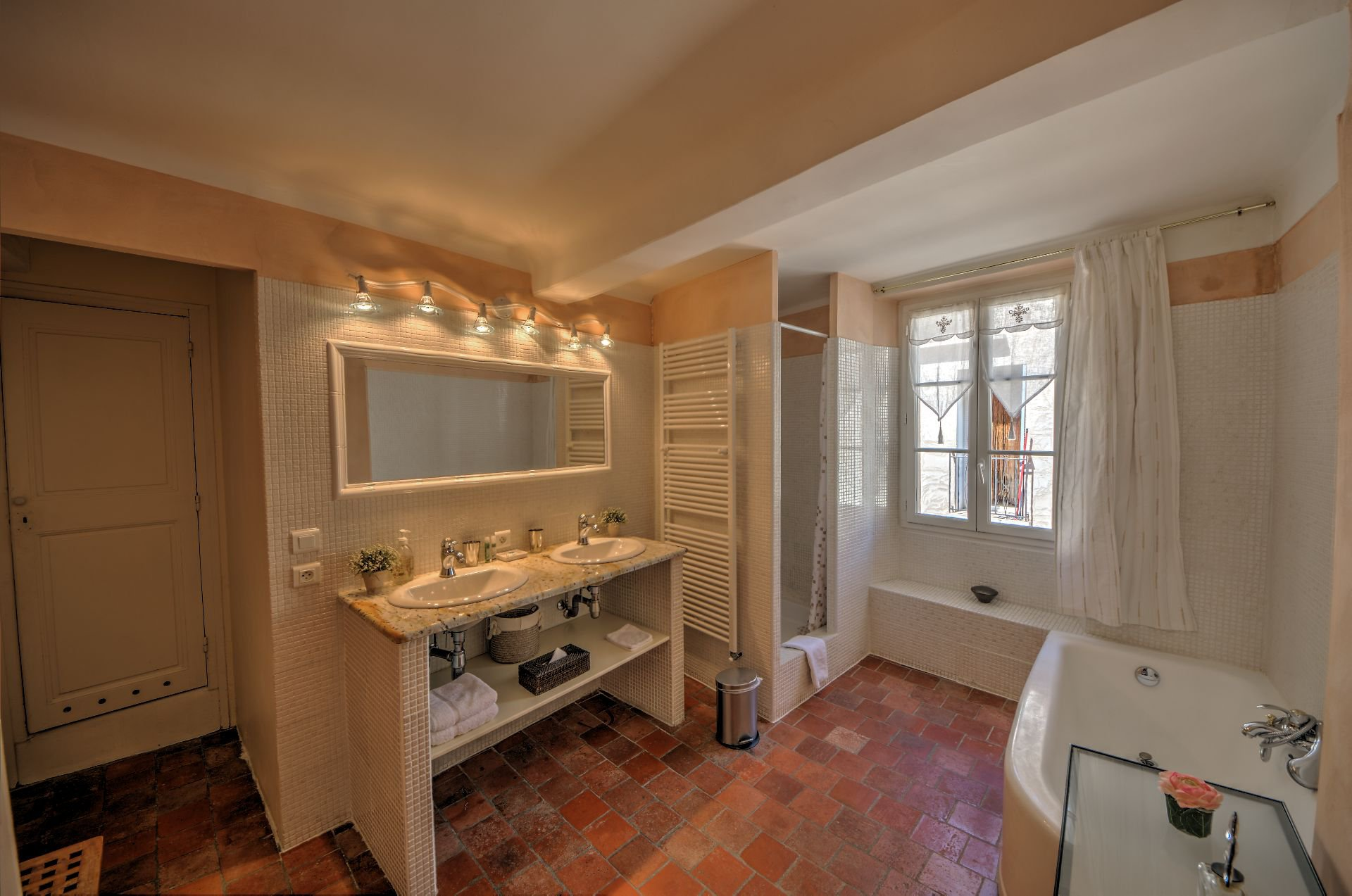 Bathroom of the Suite 3 in the guest house with garden and pool Rocbaron, Var, Provence