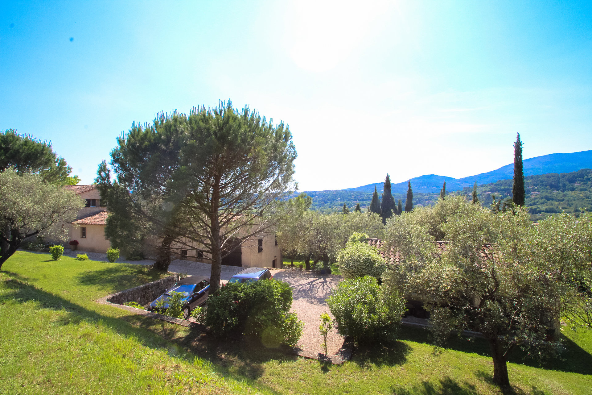 Fayence: old stone countryhouse with beautiful view