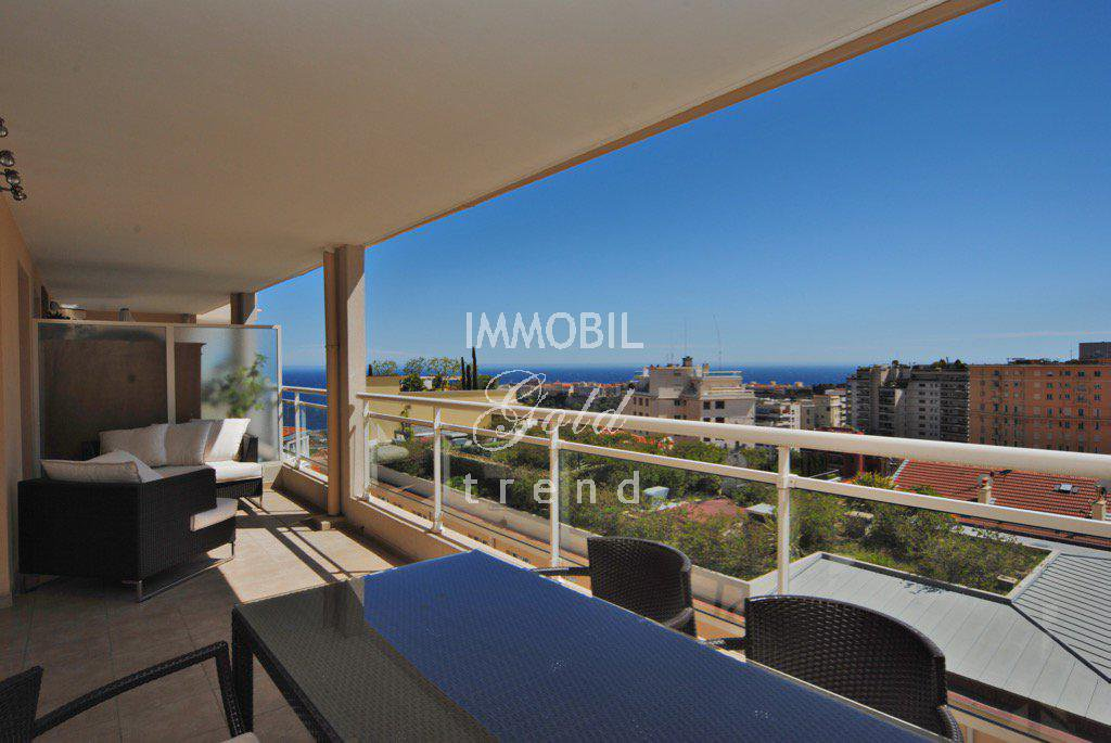 Exclusivity Real estate Beausoleil - For sale, entirely refurbished two bedroom apartment with panoramic sea view and double garage, next to the Principality of Monaco