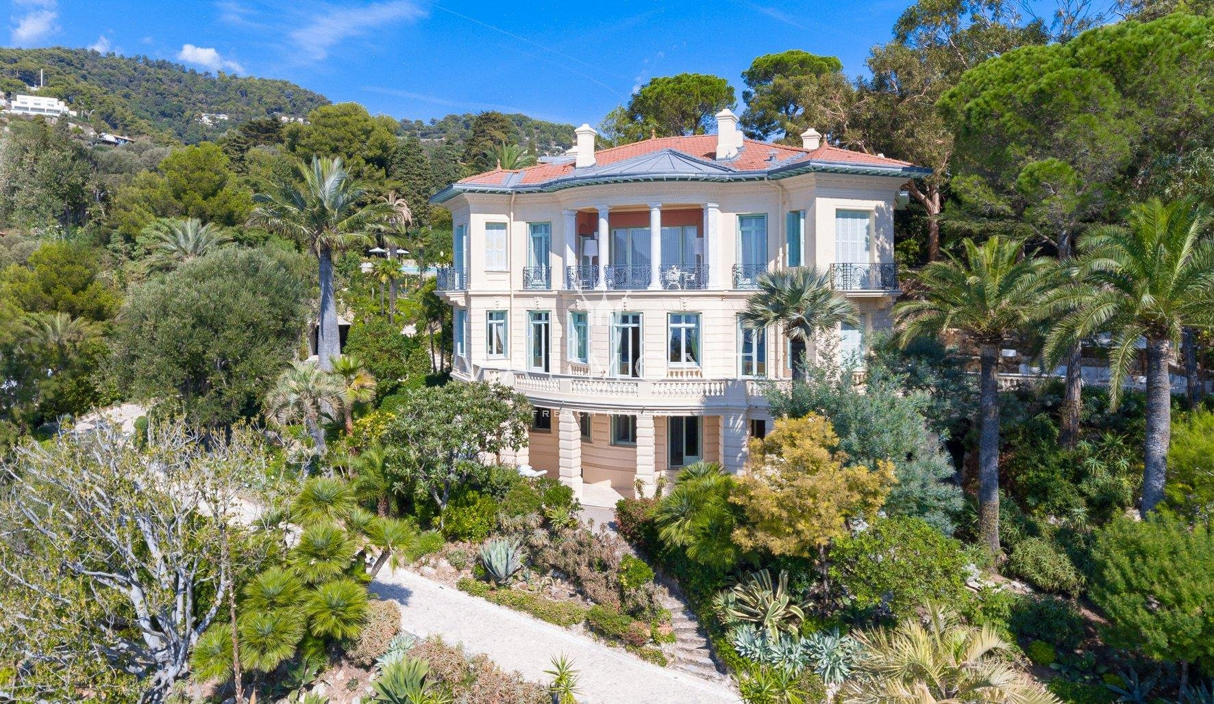 EXCEPTIONAL PROPERTY AT THE DOORS OF THE PRINCIPALITY