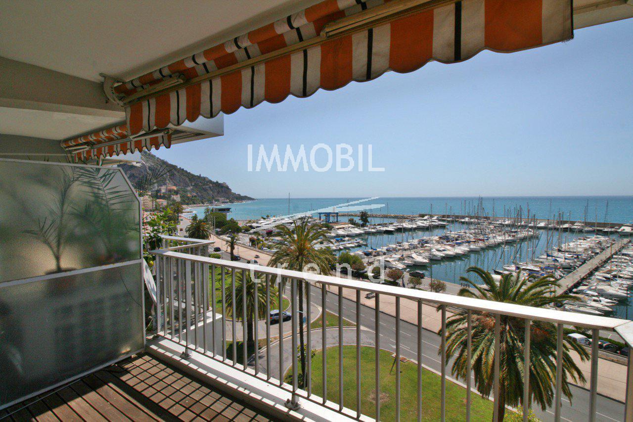 Appartement trois pièces avec vue mer panoramique dans une résidence front de mer