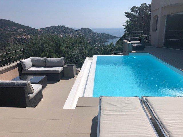 Villa moderne de 287 m² vue mer et Estérel