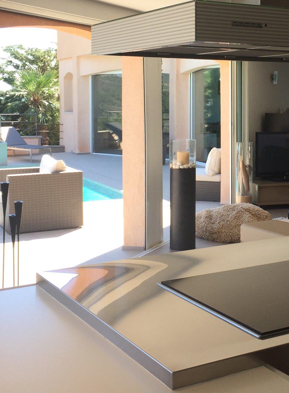 Beautiful modern villa of 287 sqm sea view and Esterel