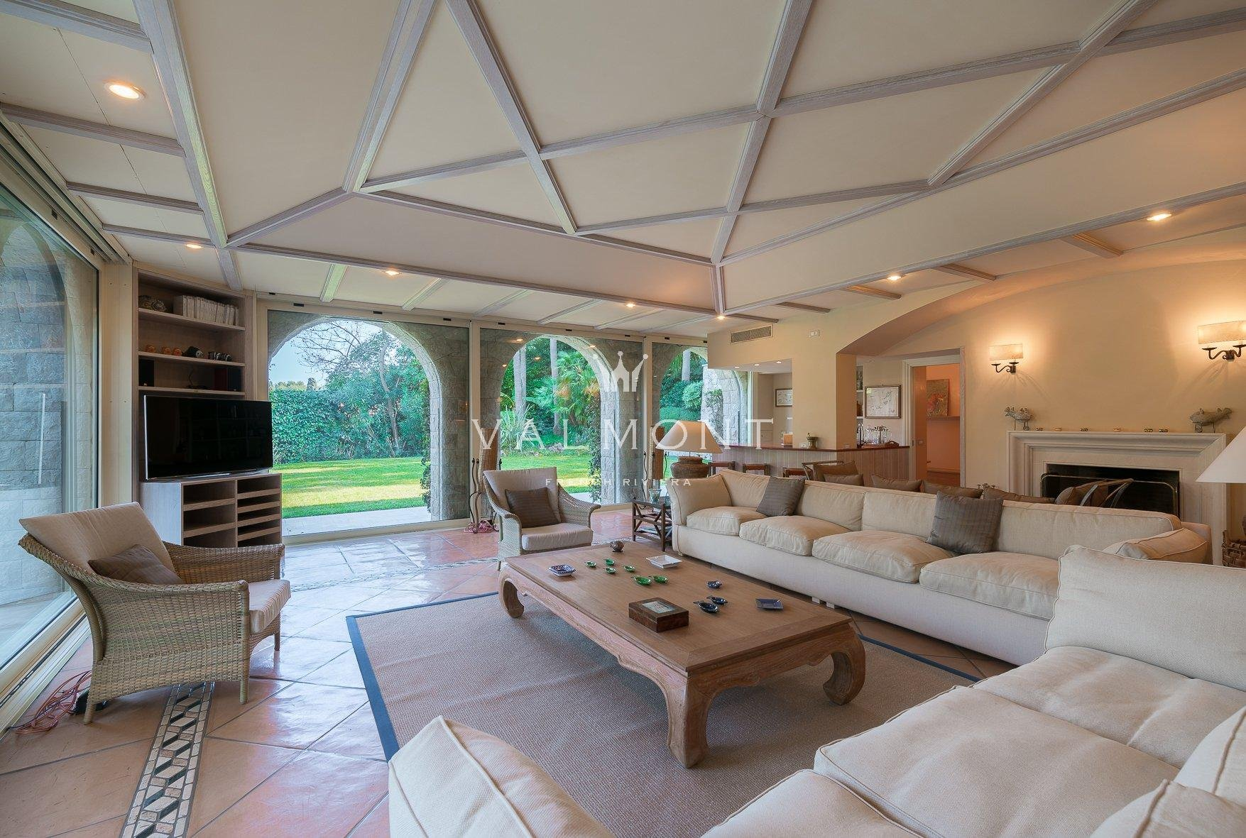 BEAUTIFUL PROPERTY IN THE HEART OF CAP FERRAT