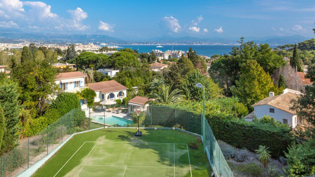 Unique opportunity on the Cap d'Antibes
