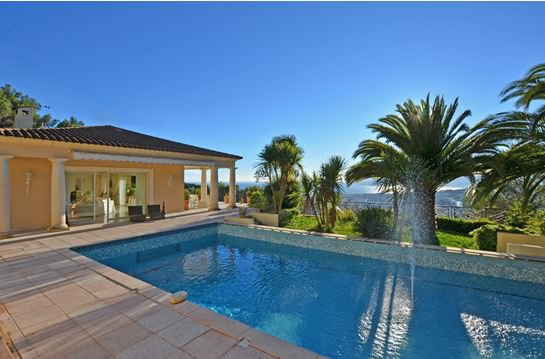 EXCEPTIONAL PROPERTY WITH PANORAMIC SEA VIEW