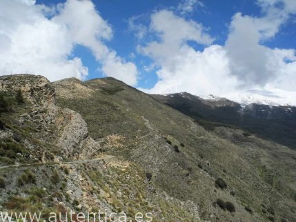 An authentic stone refuge at 2300m, mountain lovers... this is for you