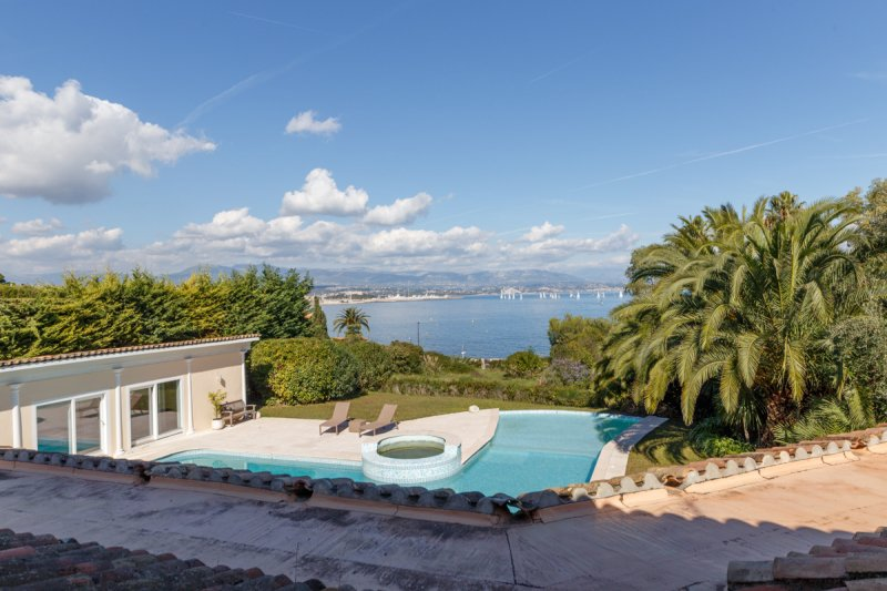 Cap d'Antibes - Elegant and cosy villa close to the beach