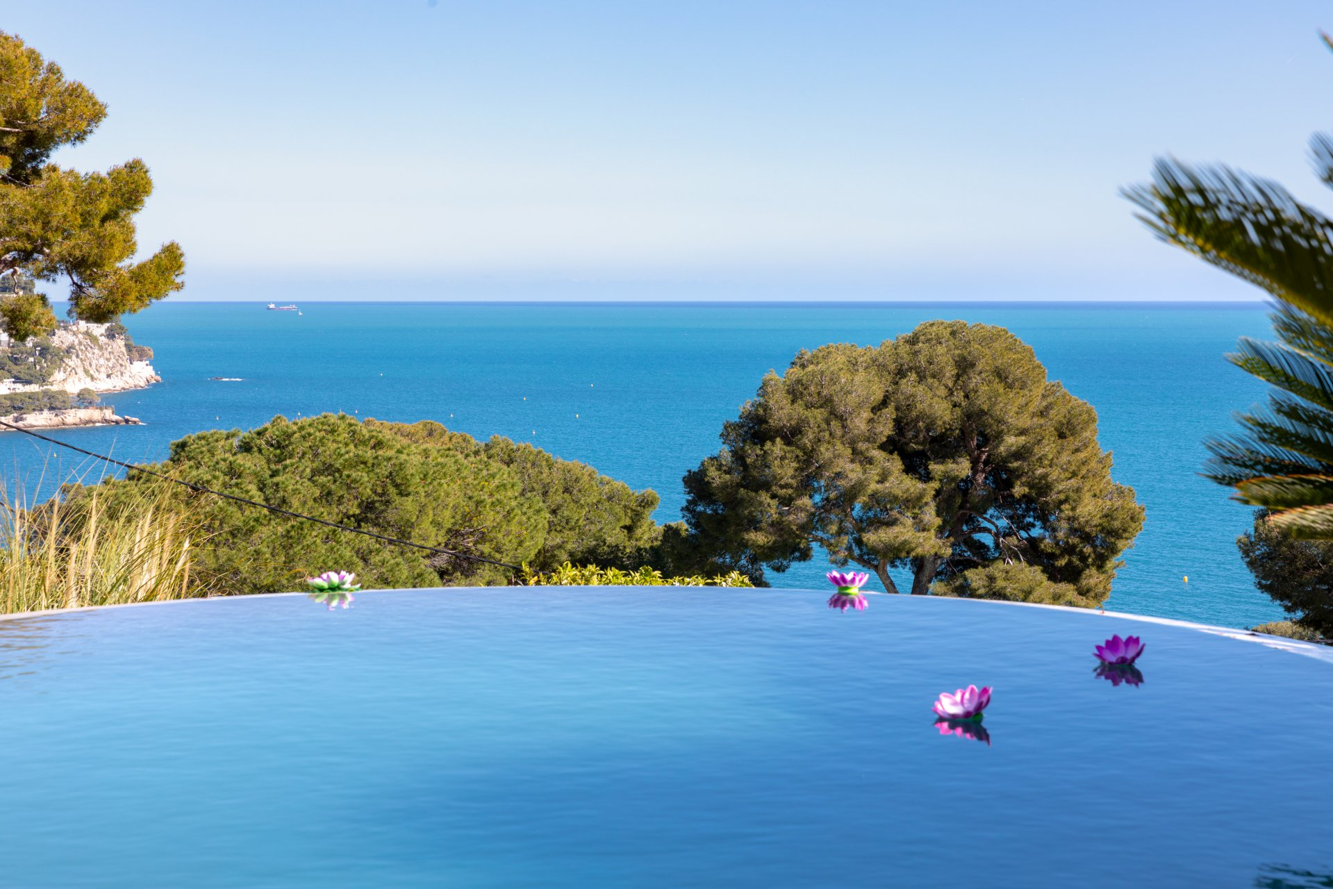 Eze - Splendid villa overlooking the sea