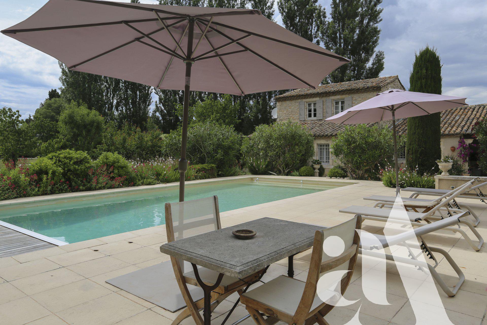 à vendre Eygalières Mas piscine et jardin