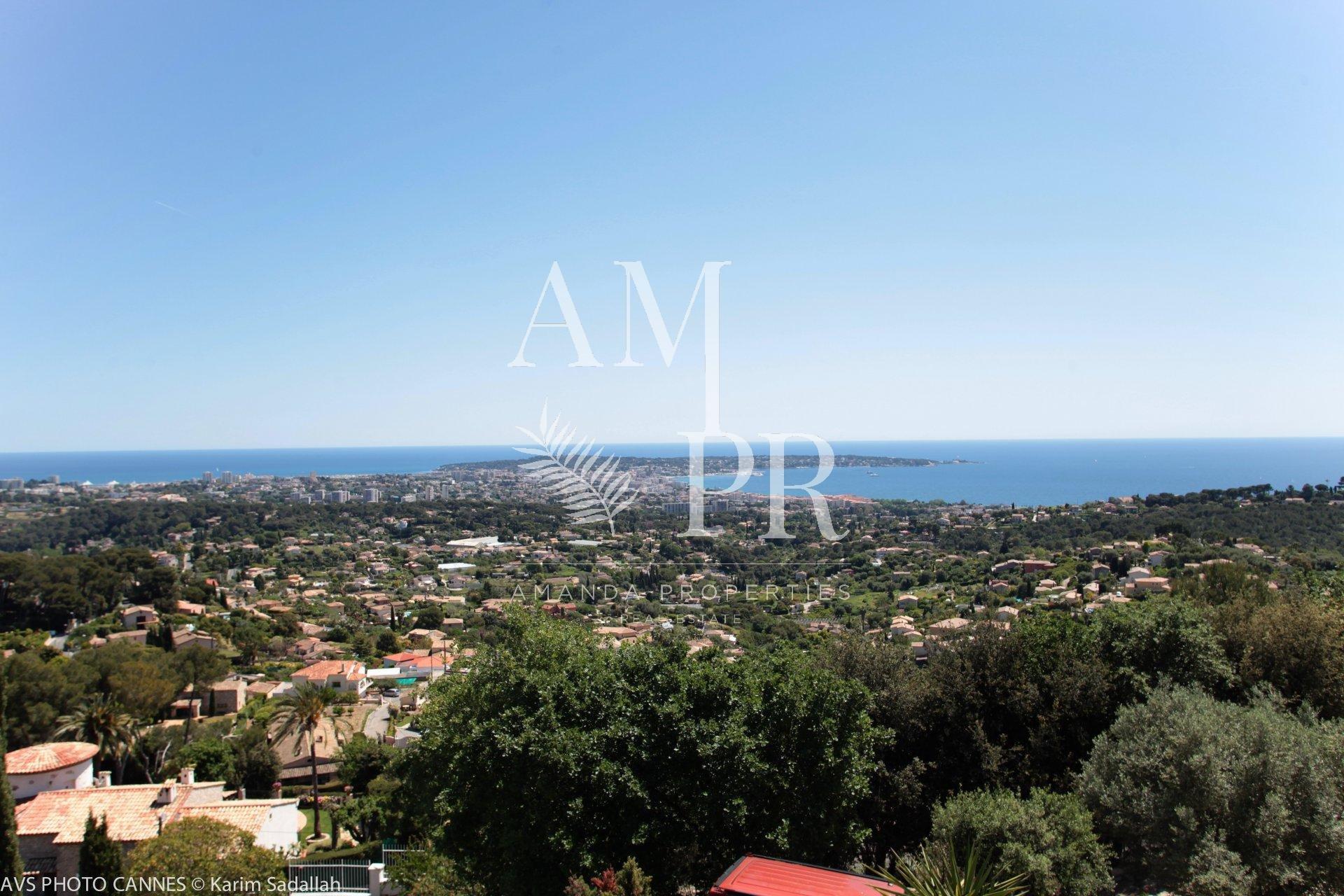 Villa proche de Cannes avec vue mer panoramique