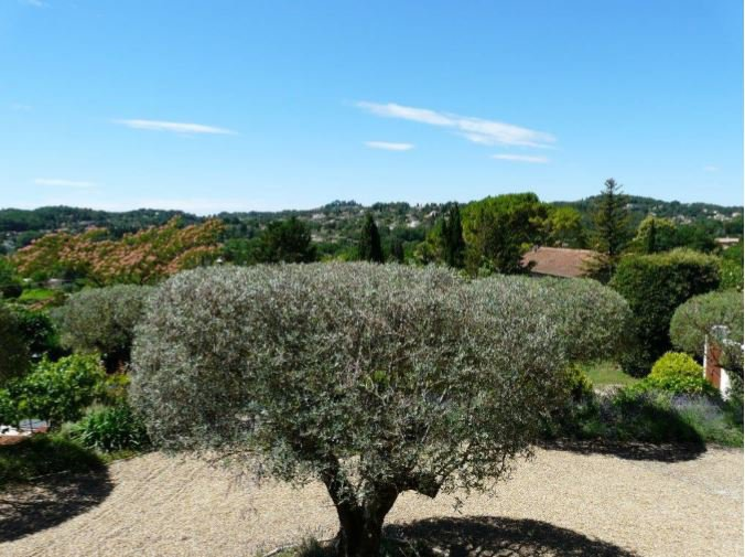 VERY BEAUTIFUL NEO PROVENCAL VILLA