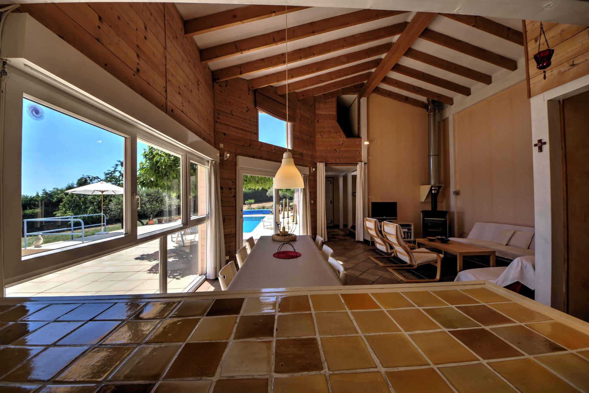 Salon de Maison à ossature bois HPE, 180 m², 5 ch, piscine, Aups, Var, Provence, Paca