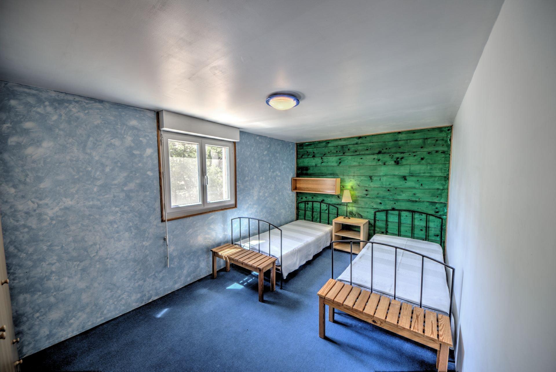 Chambre 4 1er étage de Maison à ossature bois HPE, 180 m², 5 ch, piscine, Aups, Var, Provence, Paca