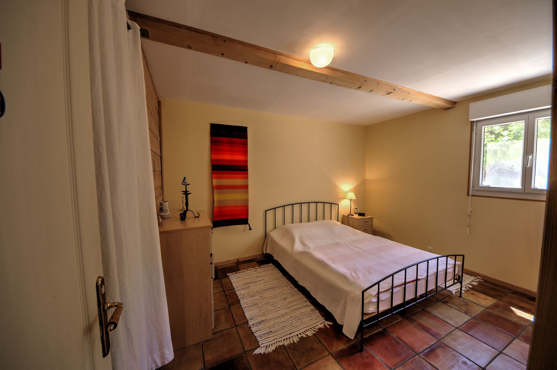 Chambre 1 rdc de Maison à ossature bois HPE, 180 m², 5 ch, piscine, Aups, Var, Provence, Paca