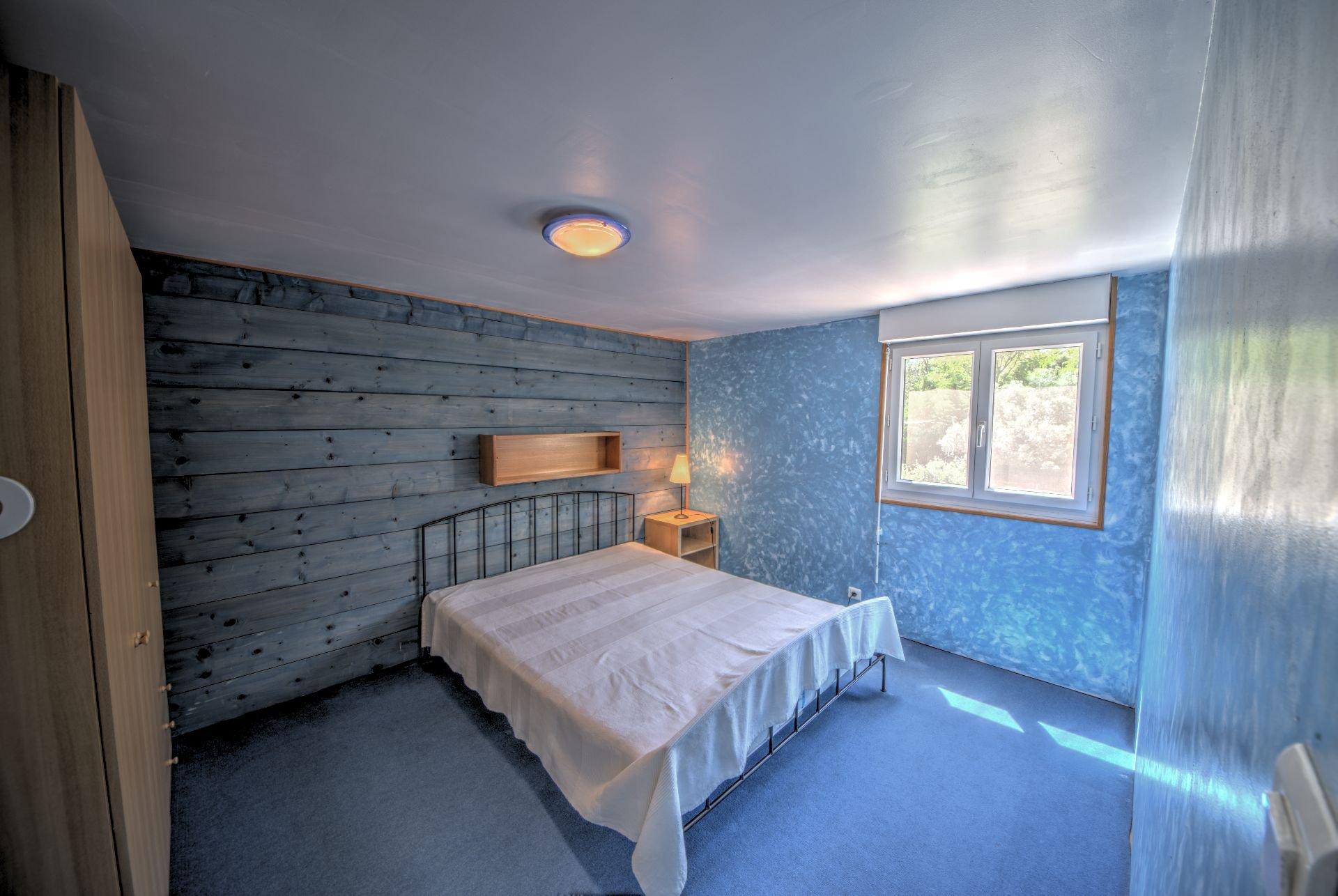 Chambre 5 1er étage de Maison à ossature bois HPE, 180 m², 5 ch, piscine, Aups, Var, Provence, Paca
