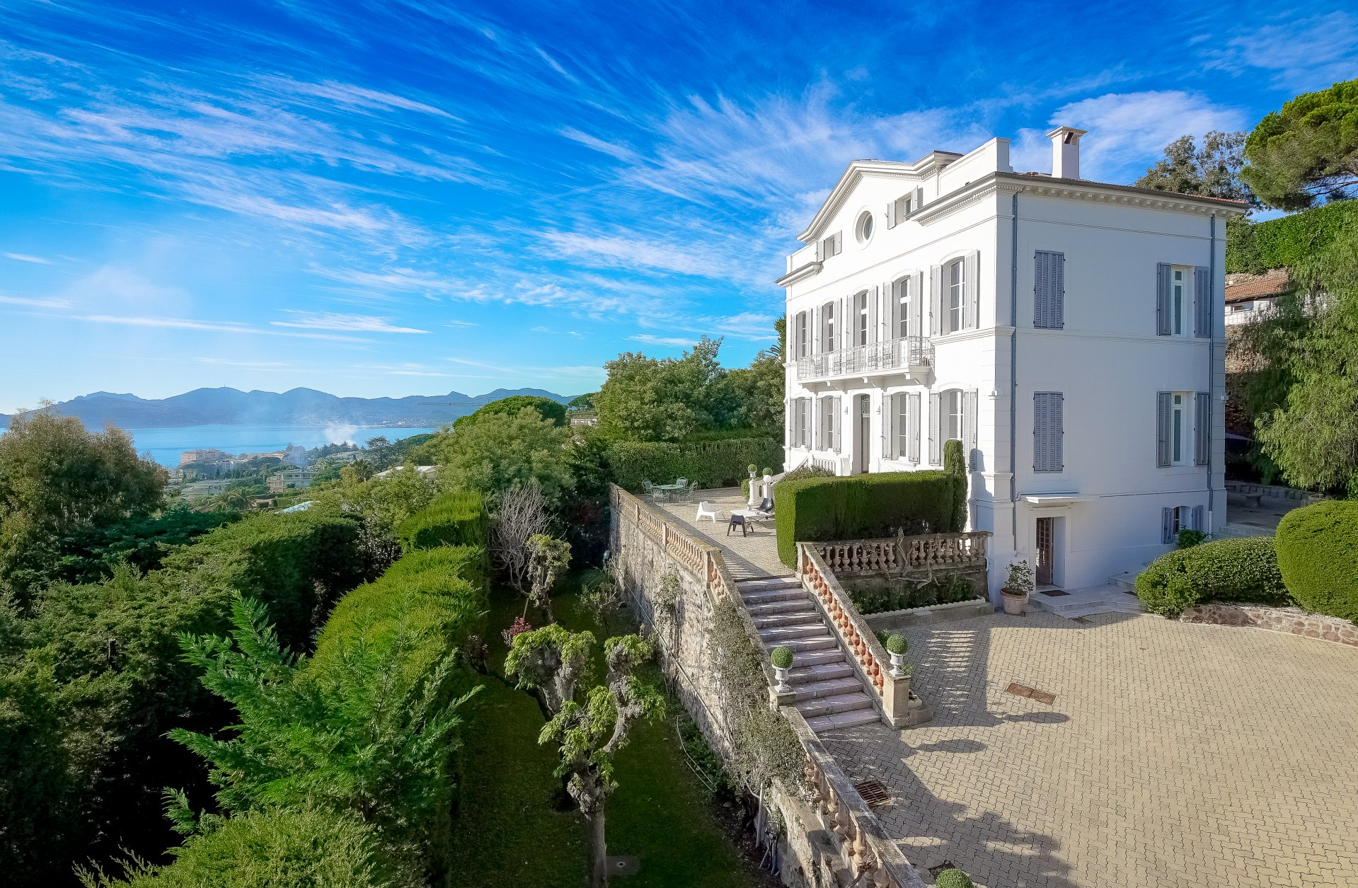 CANNES CROIX DES GARDES - BEAUTIFUL VILLA OF 19TH CENTURY