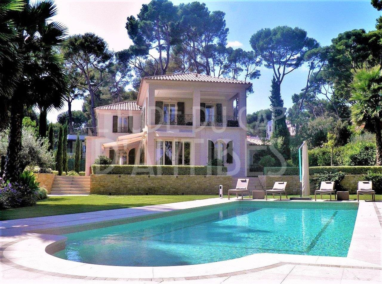 Villa for sale - Cap d'Antibes, east side