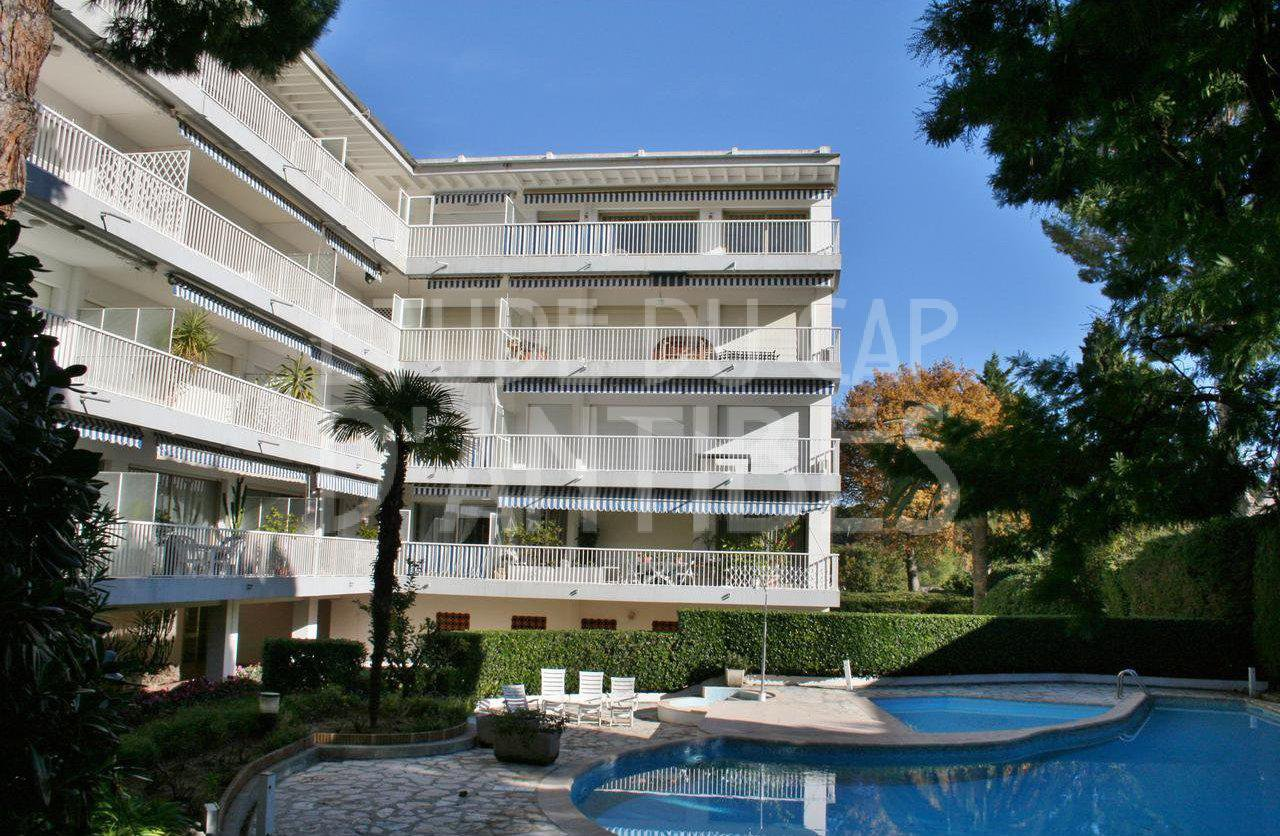 Cap d'Antibes - Walking distance to the beach - Beautiful 3 bedroom apartment