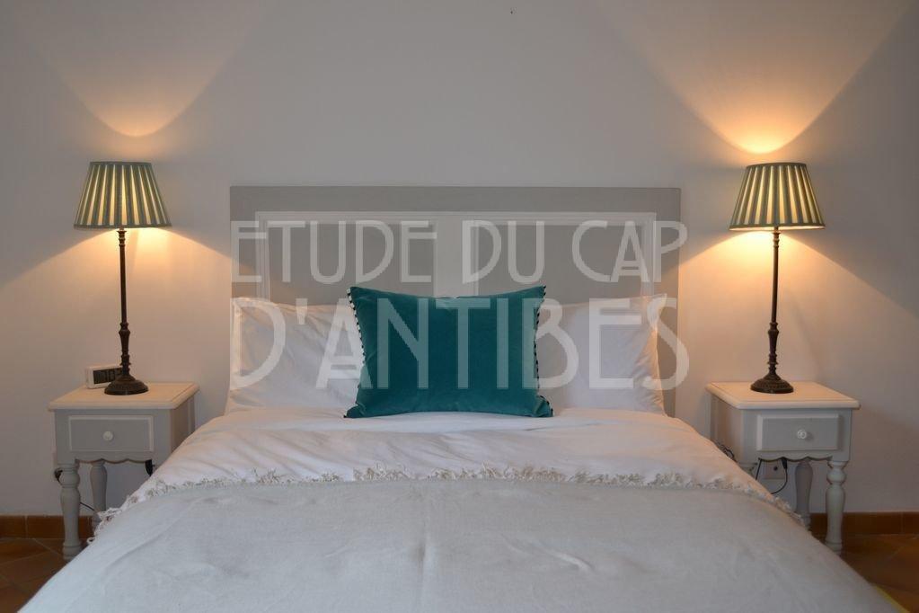 Кап д Антиб - Небольшая уютная вилла на аренду