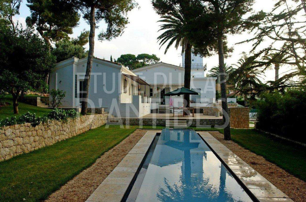 Villa a louer cap d 39 antibes proche garoupe for Antibes location maison