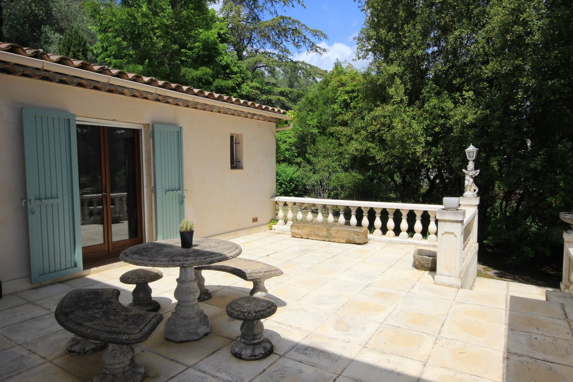 Provencal villa with character and charm