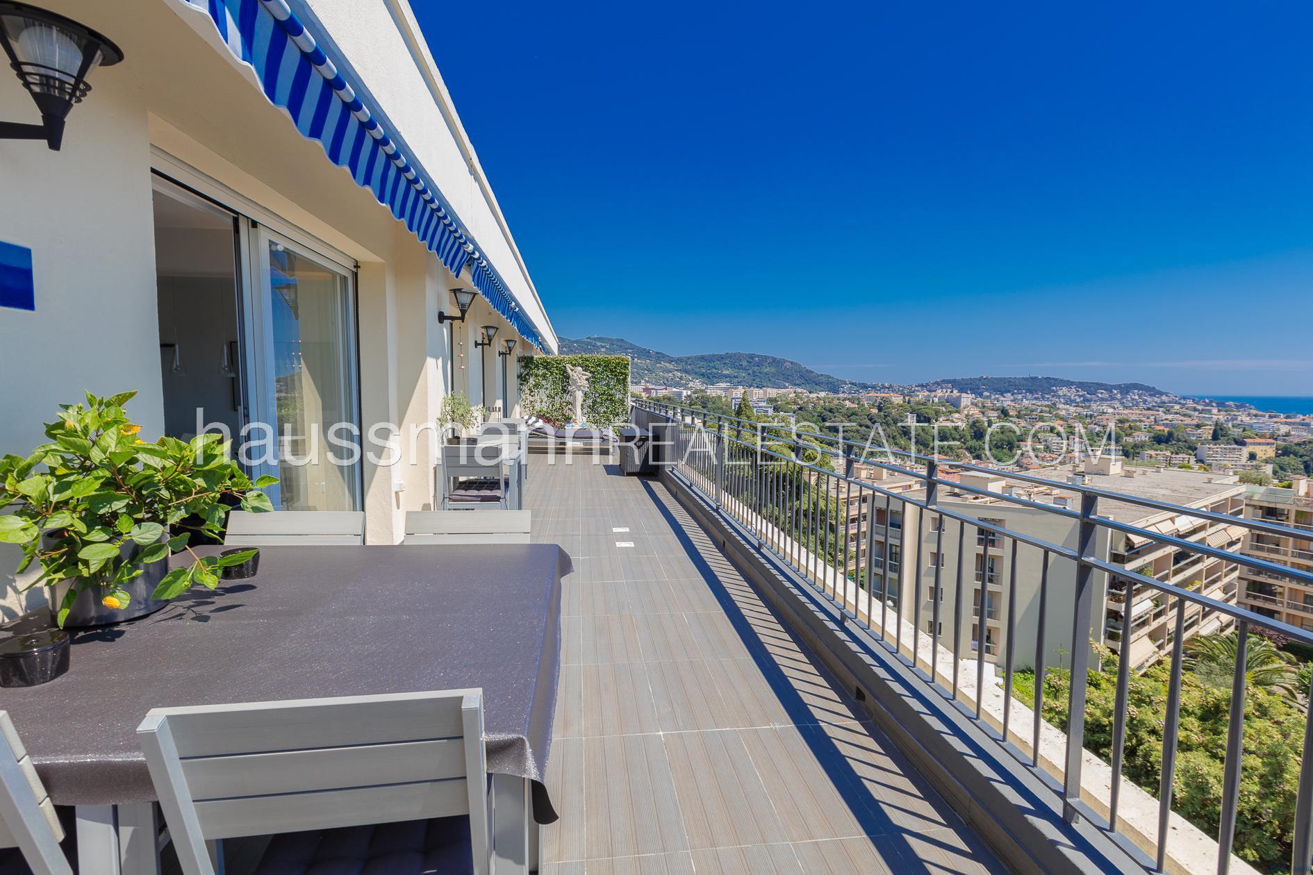 Dernier étage sur les hauteurs de Nice