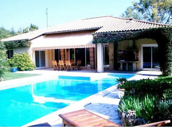 BEAUTIFUL PROVENCAL VILLA ONE FLOOR