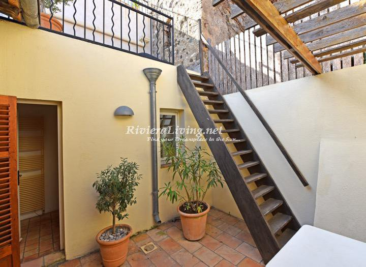 HAUT DE CAGNES --- BEAUTIFUL HOUSE WITH TERRACE AND 4 BEDROOMS