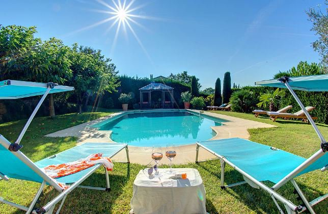 SUPERB PROVENCAL VILLA IN A SECURED DOMAIN