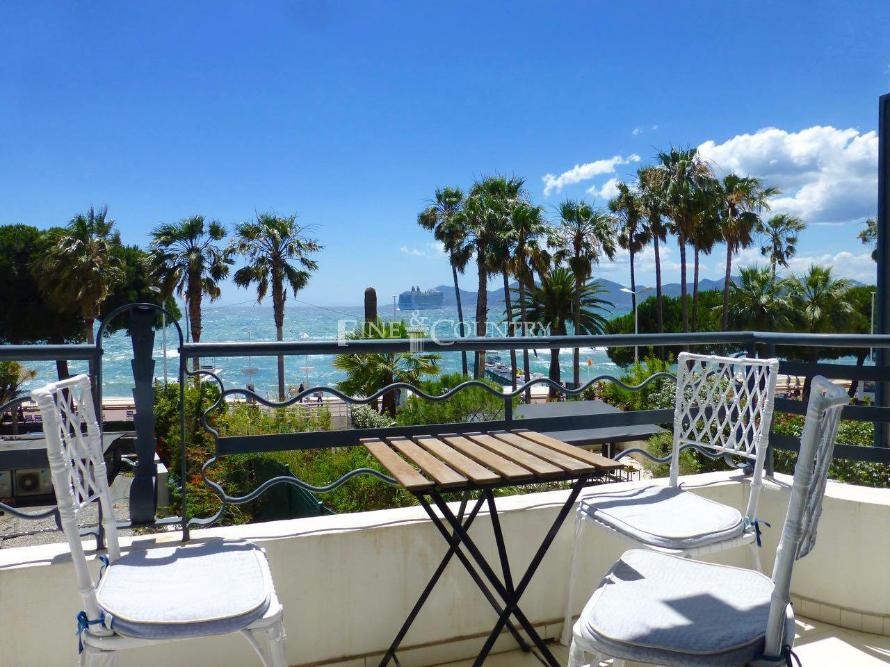 Apartment with sea view , la Croisette Cannes