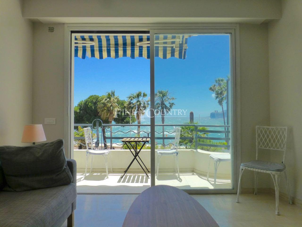 Seafront apartment for sale on La Croisette, Cannes, France