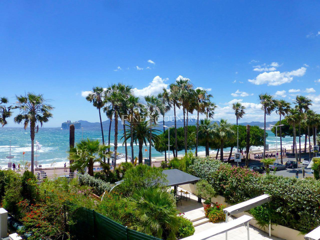 Beautiful apartment sea view , Cannes la Croisette for sale