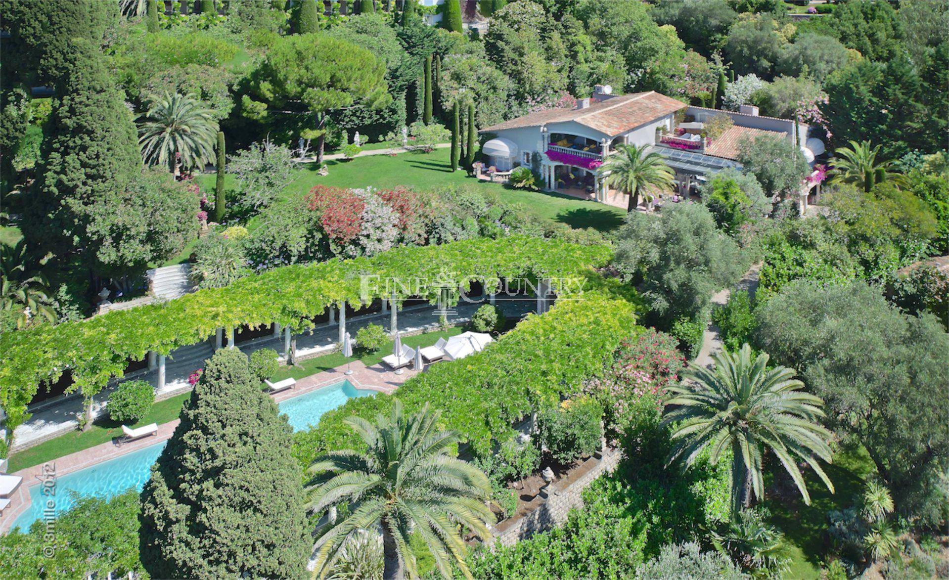 Villa in Cannes, La Californie, France