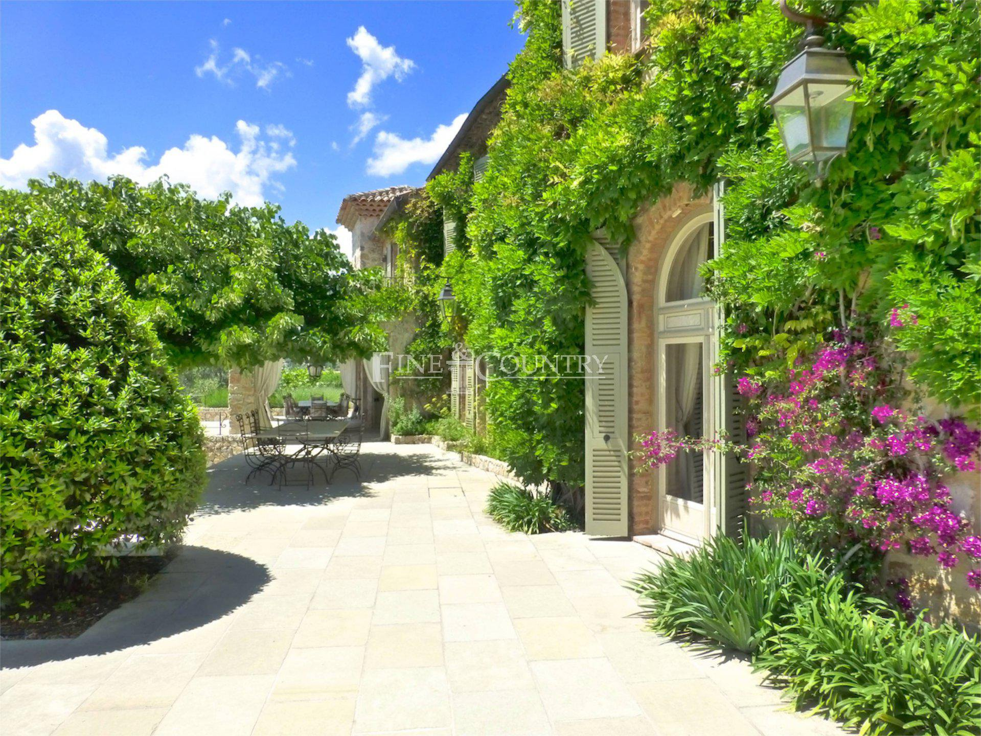 13 bedrooms property, for sale Mougins French Riviera