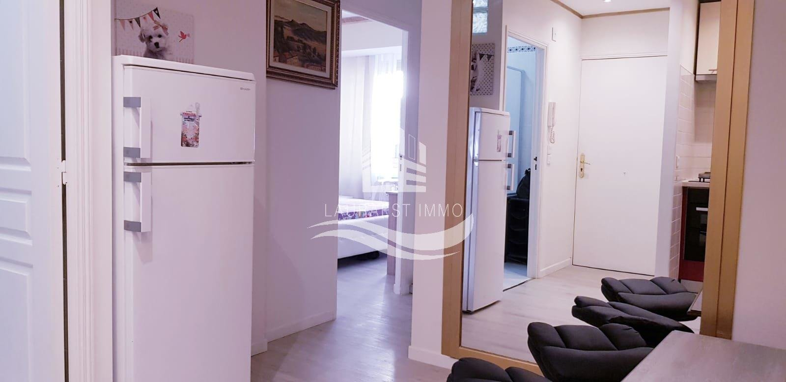 Apartment with sea view/Negresco/Golden Square